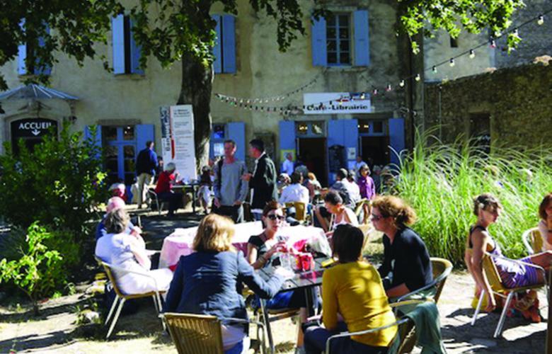 TERRASSE CAFE LITTERAIRE ABBAYE DE LAGRASSE